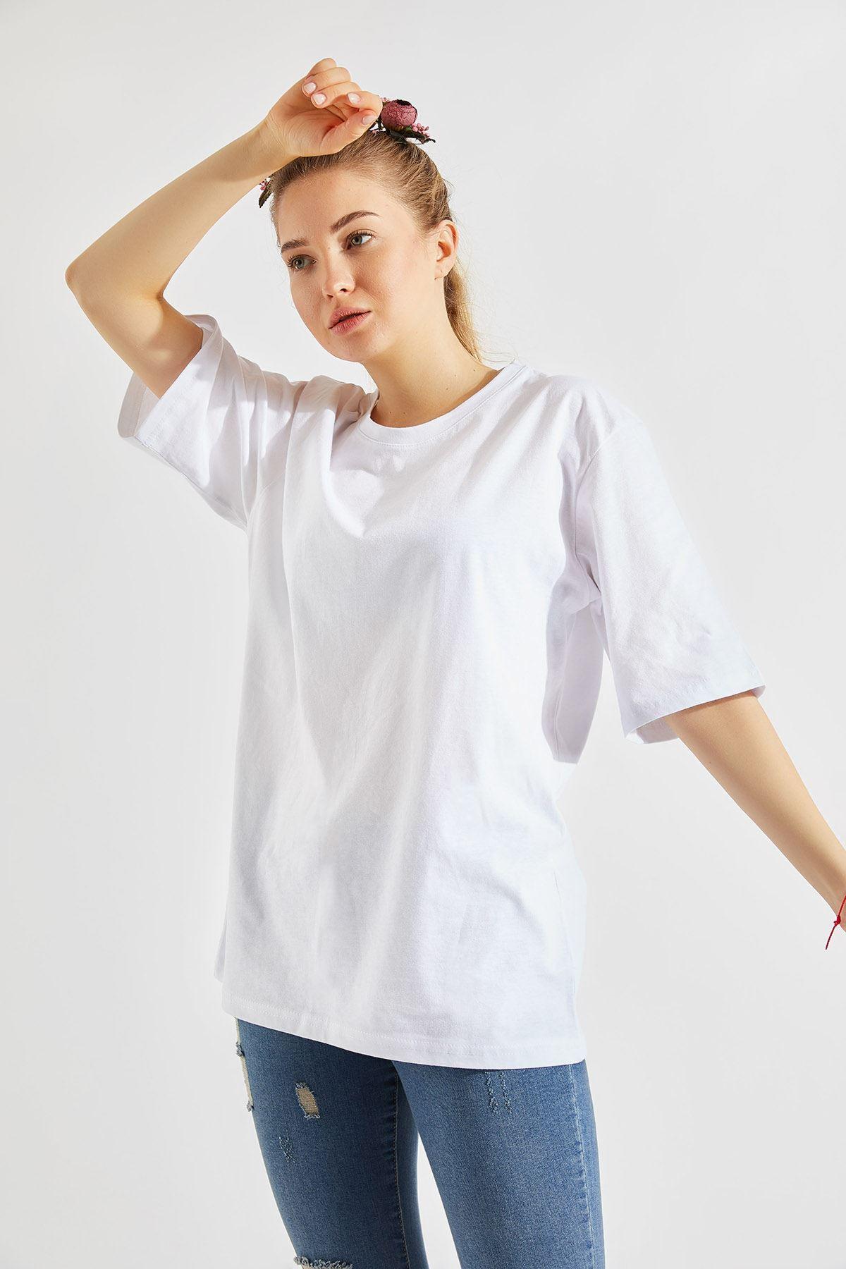 Kadın Oversize Bisiklet Yaka Beyaz Tişört