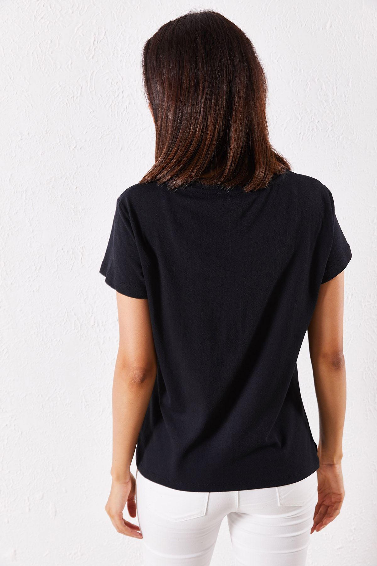 Kadın Eşli Dudak Baskılı Siyah Tişört