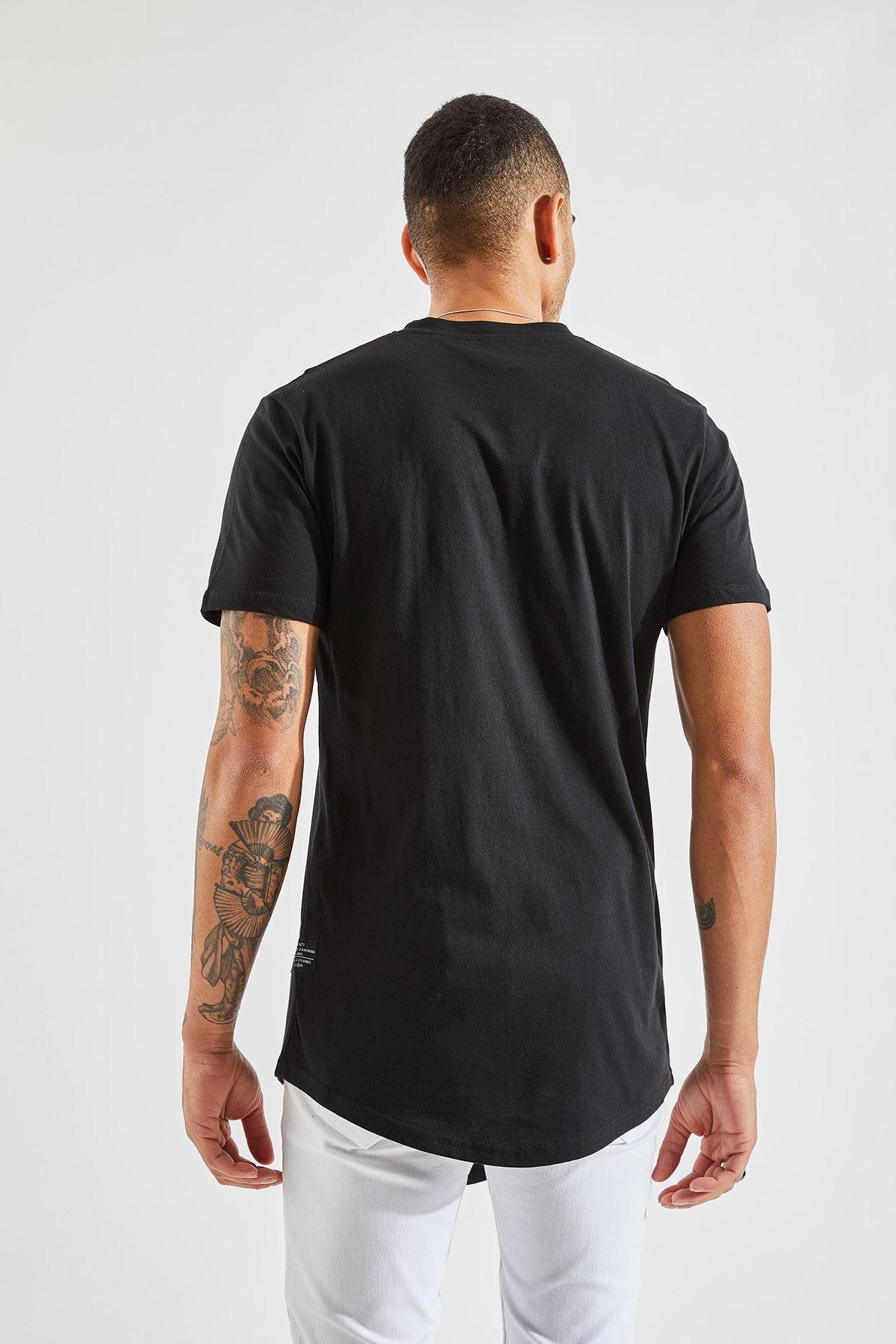 Erkek Önü Parçalı Asimetrik Kesim Siyah Tişört