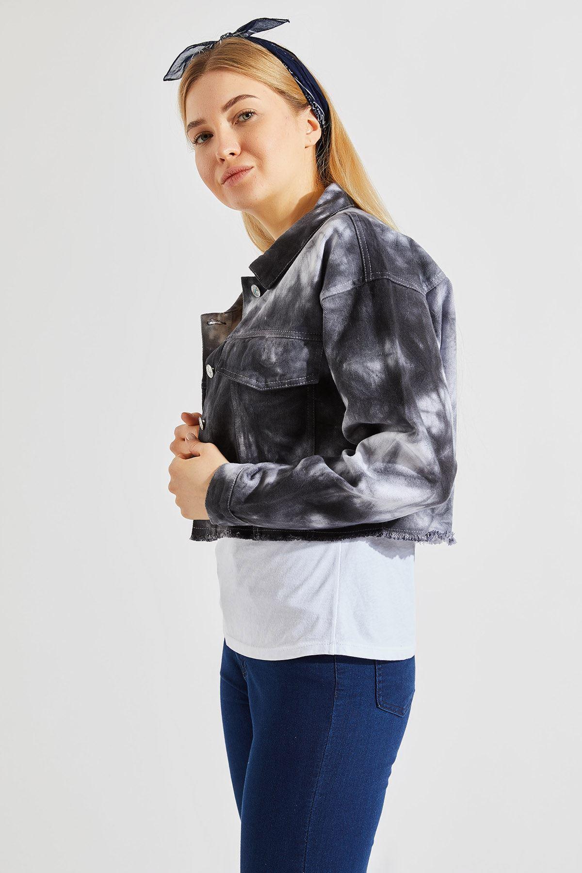 Kadın Batik Siyah Kısa Ceket
