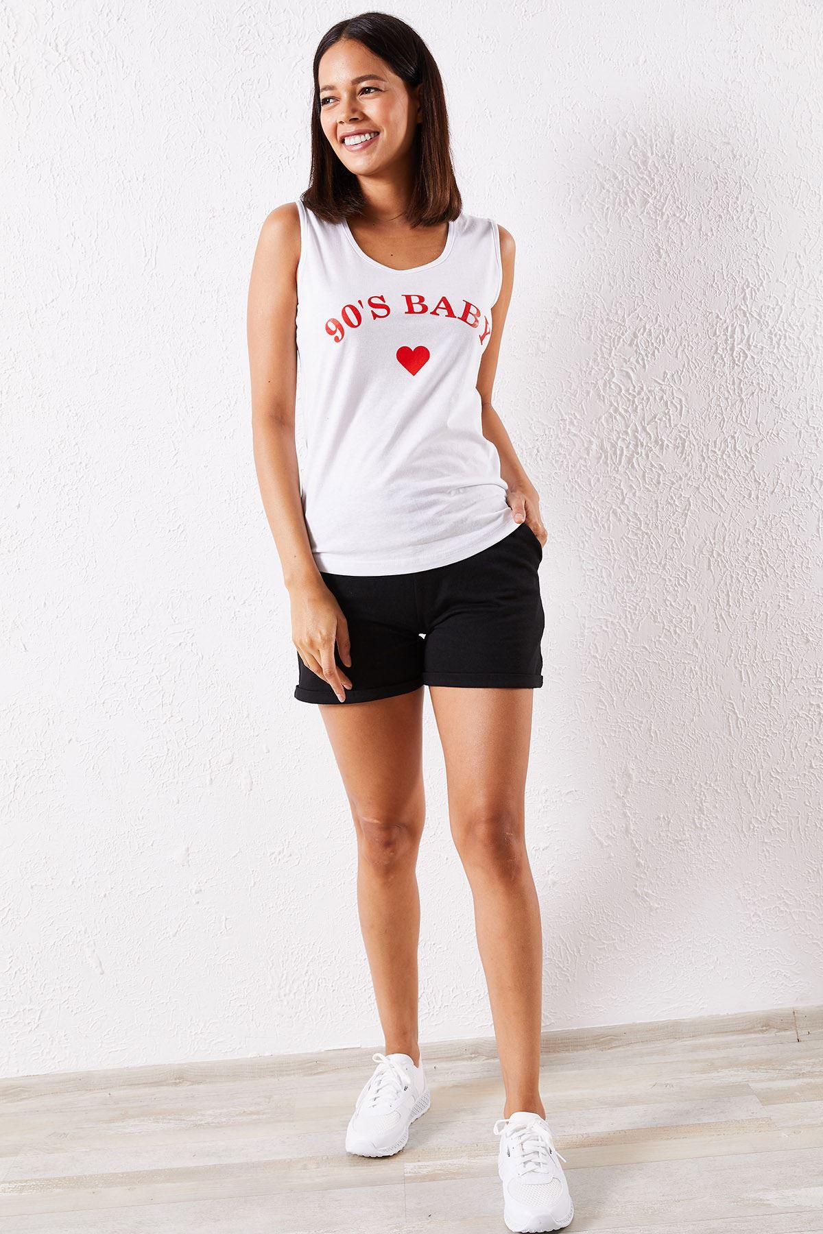 Kadın Atlet Kalp Baskılı Beyaz Şortlu Takım