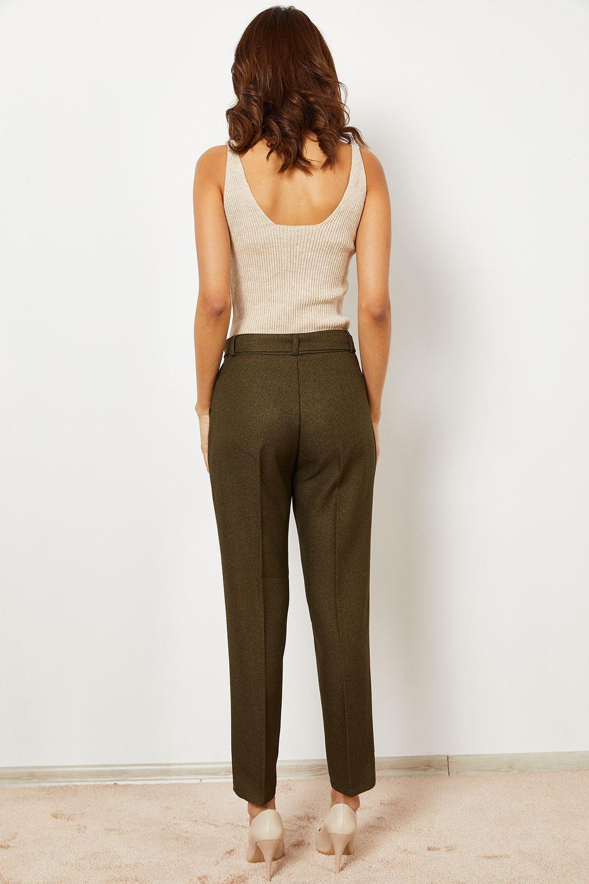 Kadın Kuşaklı Havuç Pantolon
