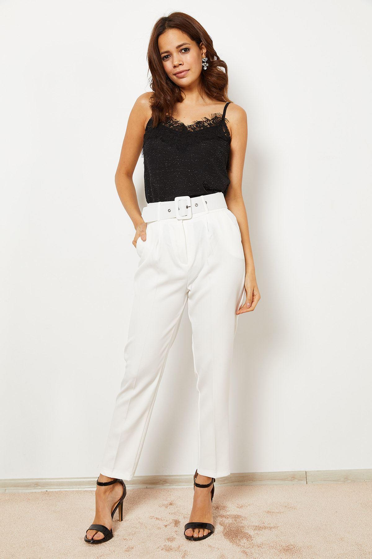 Beli Kemerli Havuç Pantolon Beyaz