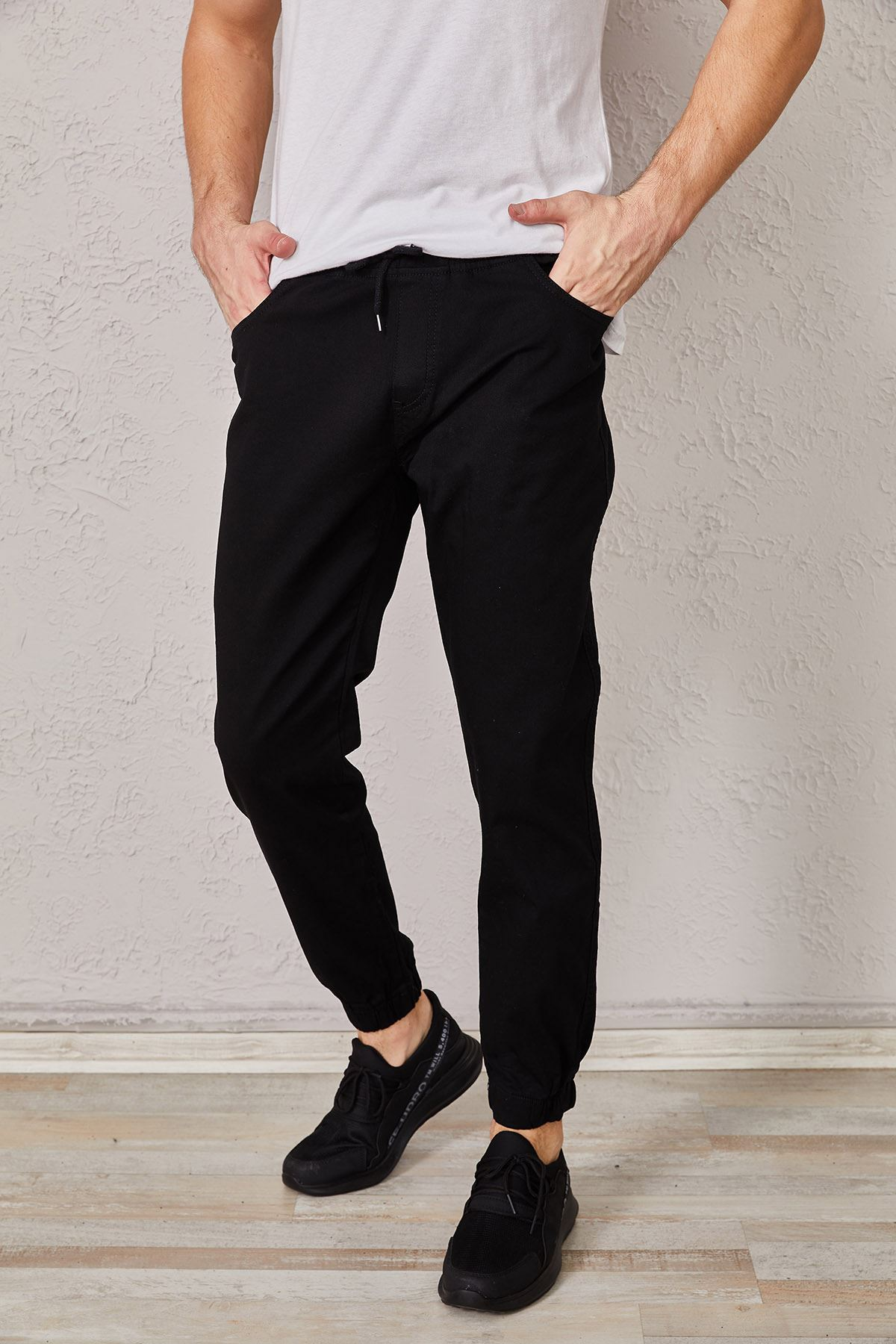 Erkek Bel Ve Paça Lastikli Siyah Pantolon