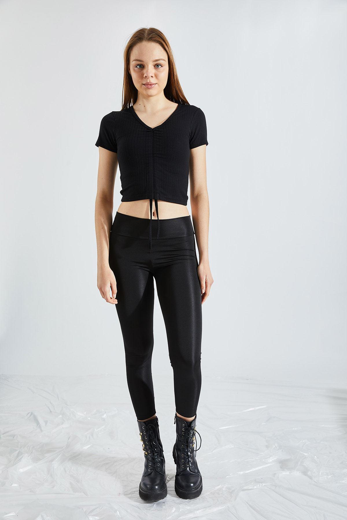 Kadın Ön Büzgülü Kaşkorse Crop Siyah Tişört