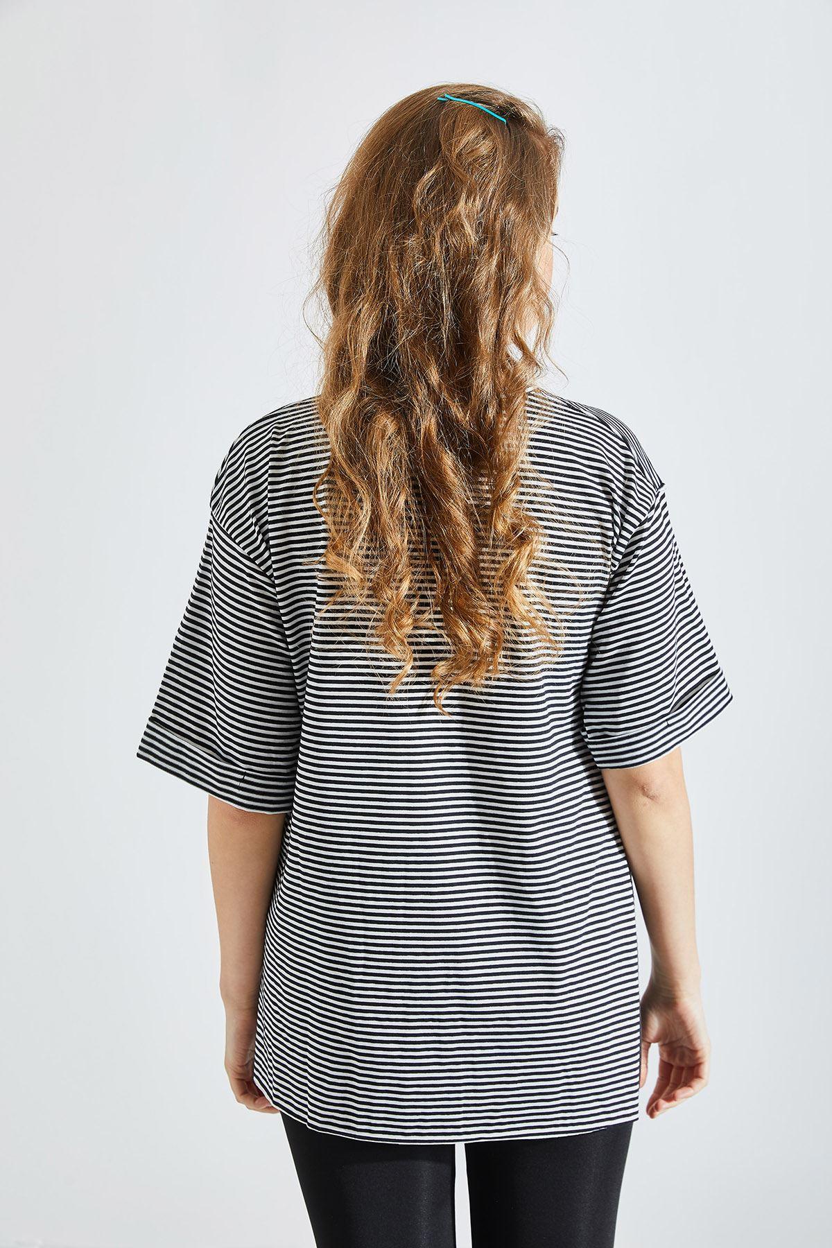Kadın Çizgili Siyah Tişört
