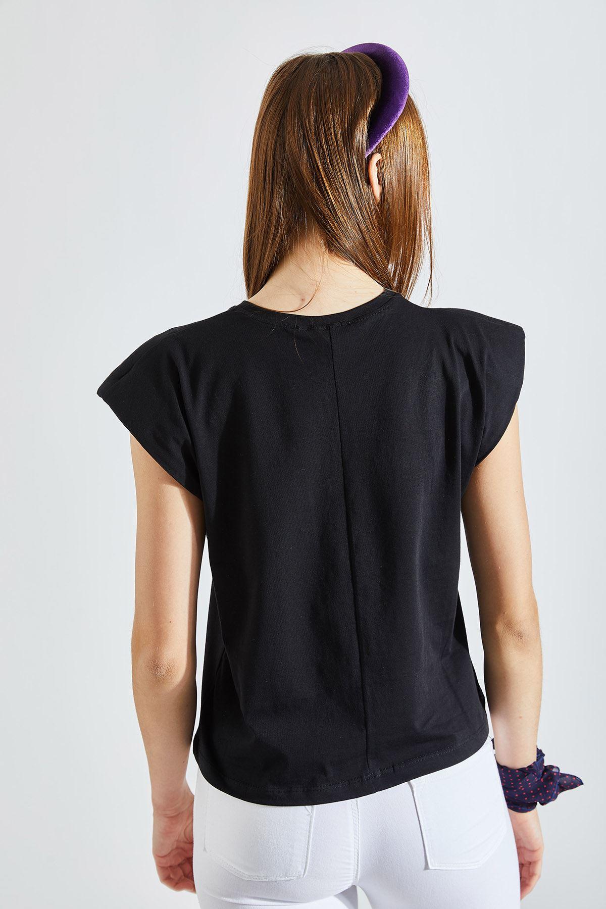 Kadın Vatkalı Siyah Tişört