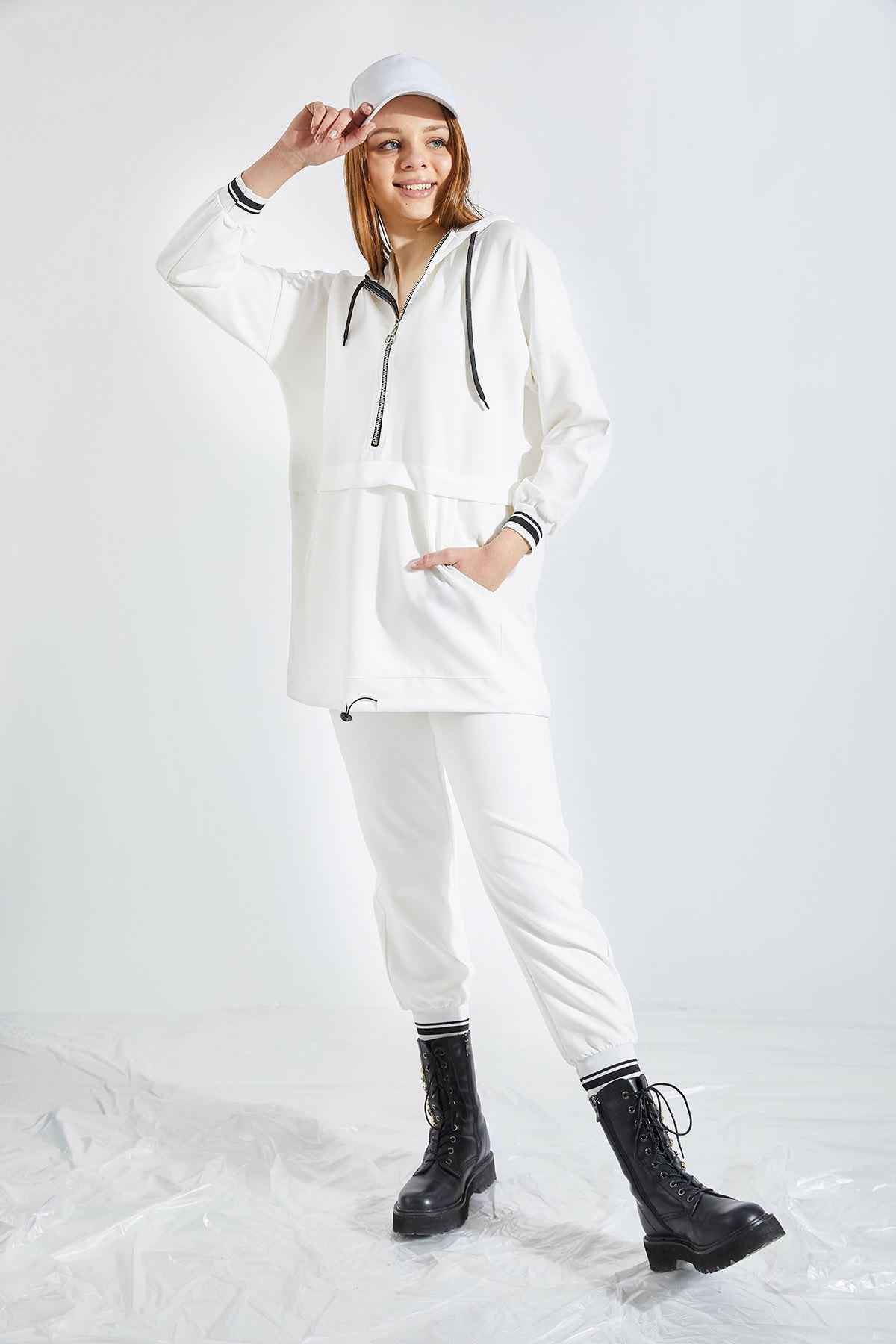 Kadın Kapüşonlu Yarım Fermuarlı Beyaz Takım