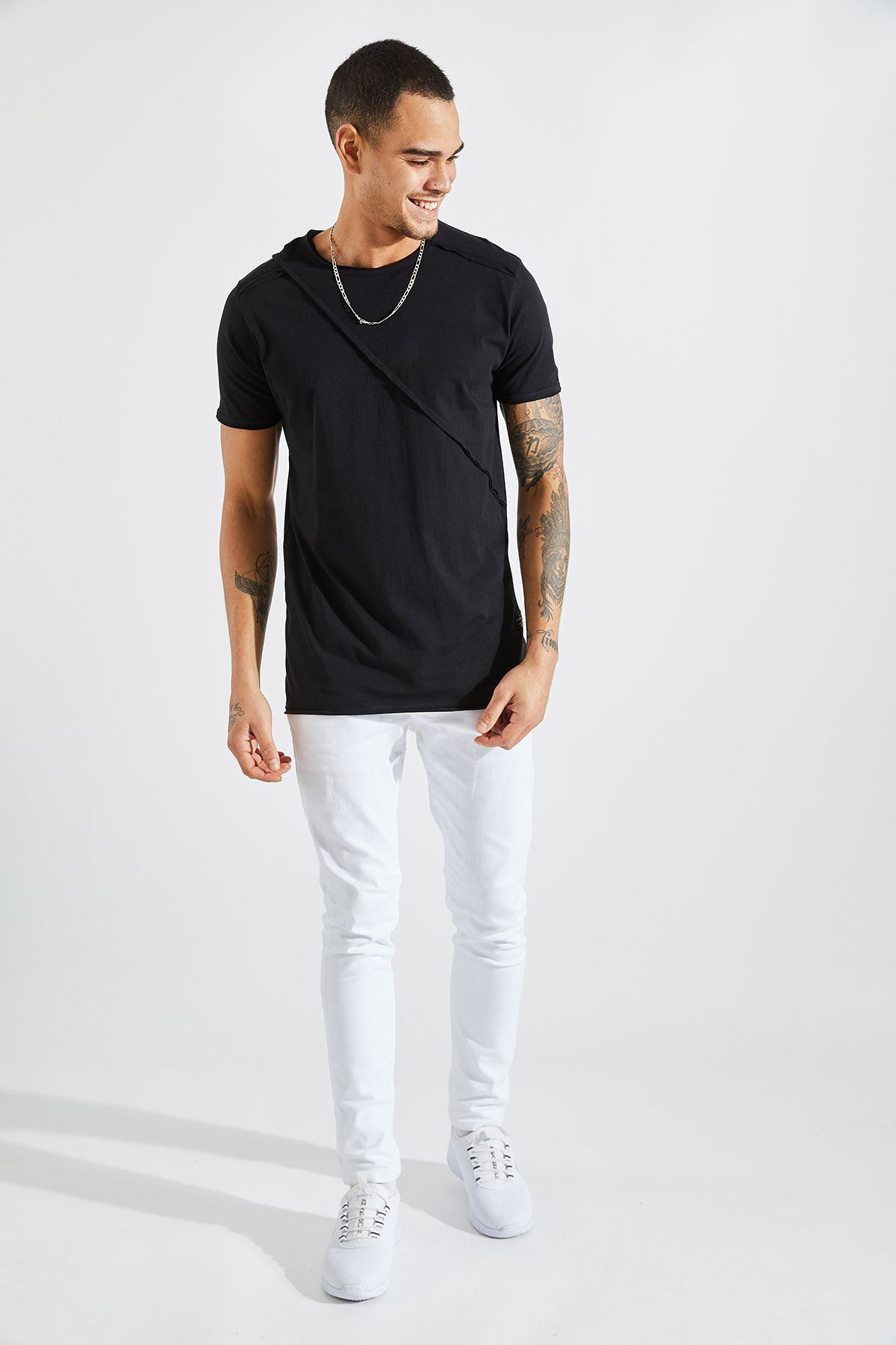 Erkek Omuz Parçalı Siyah Tişört