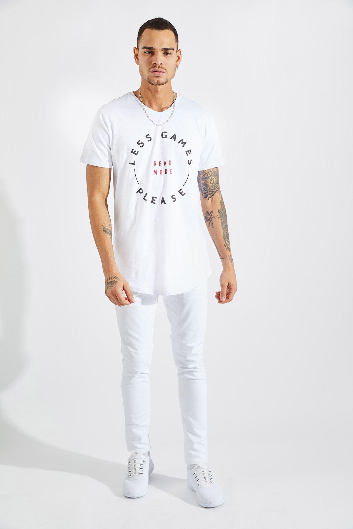Erkek V Yaka Less Games Baskılı Beyaz Tişört