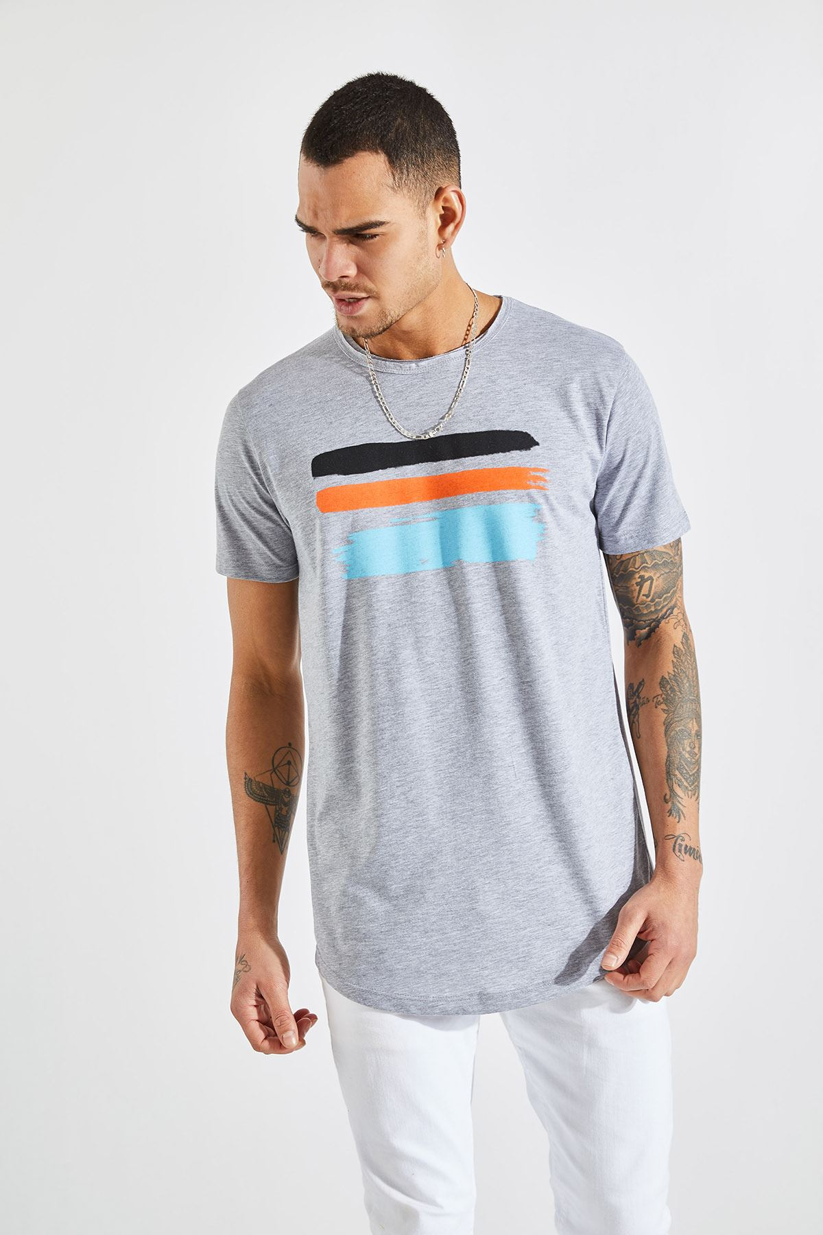 Erkek Pis Yaka 3 Çizgi Fırça Baskı Gri Tişört