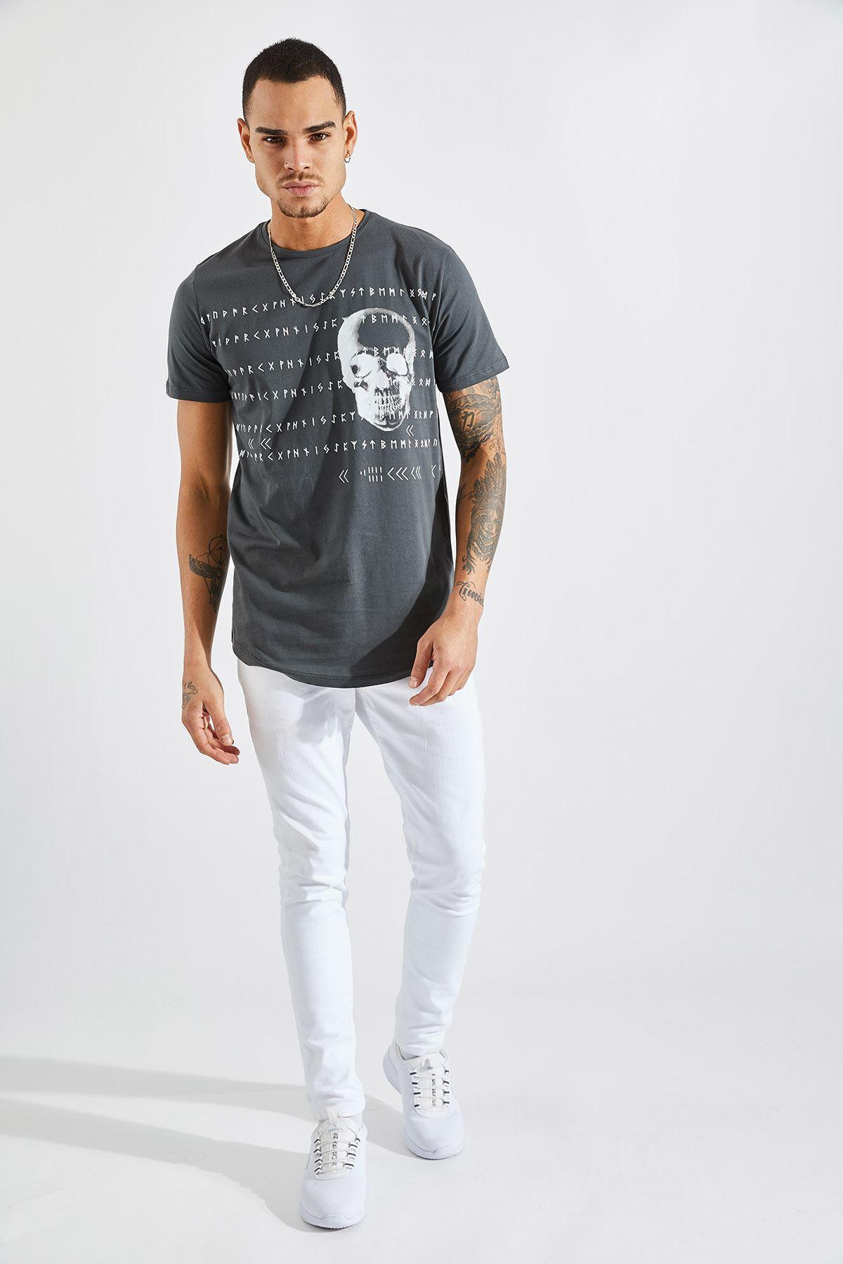 Erkek O Yaka Kuru Kafa Baskılı Füme Tişört