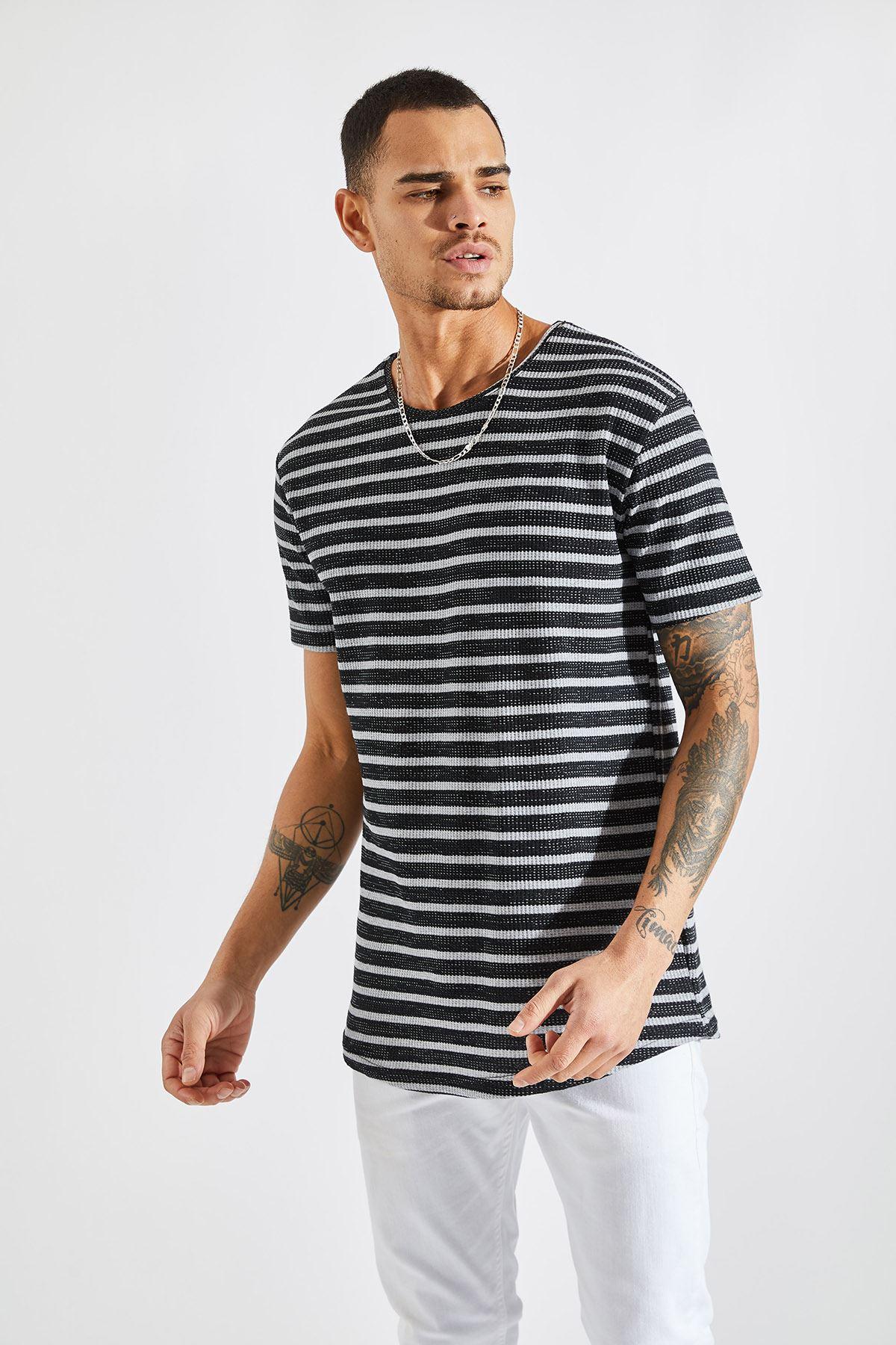 Erkek Jakarlı Çizgili Gri Tişört