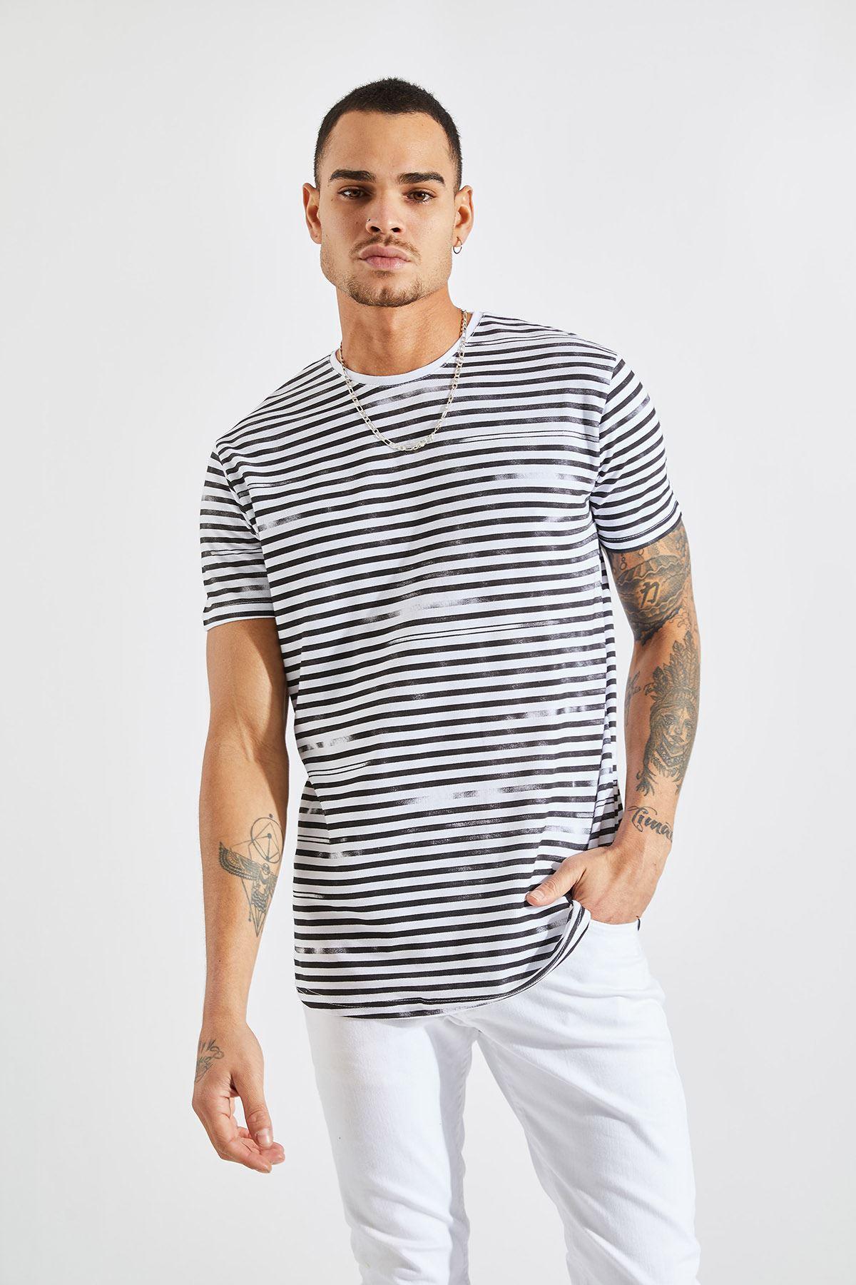 Erkek İnce Çizgili Siyah Tişört