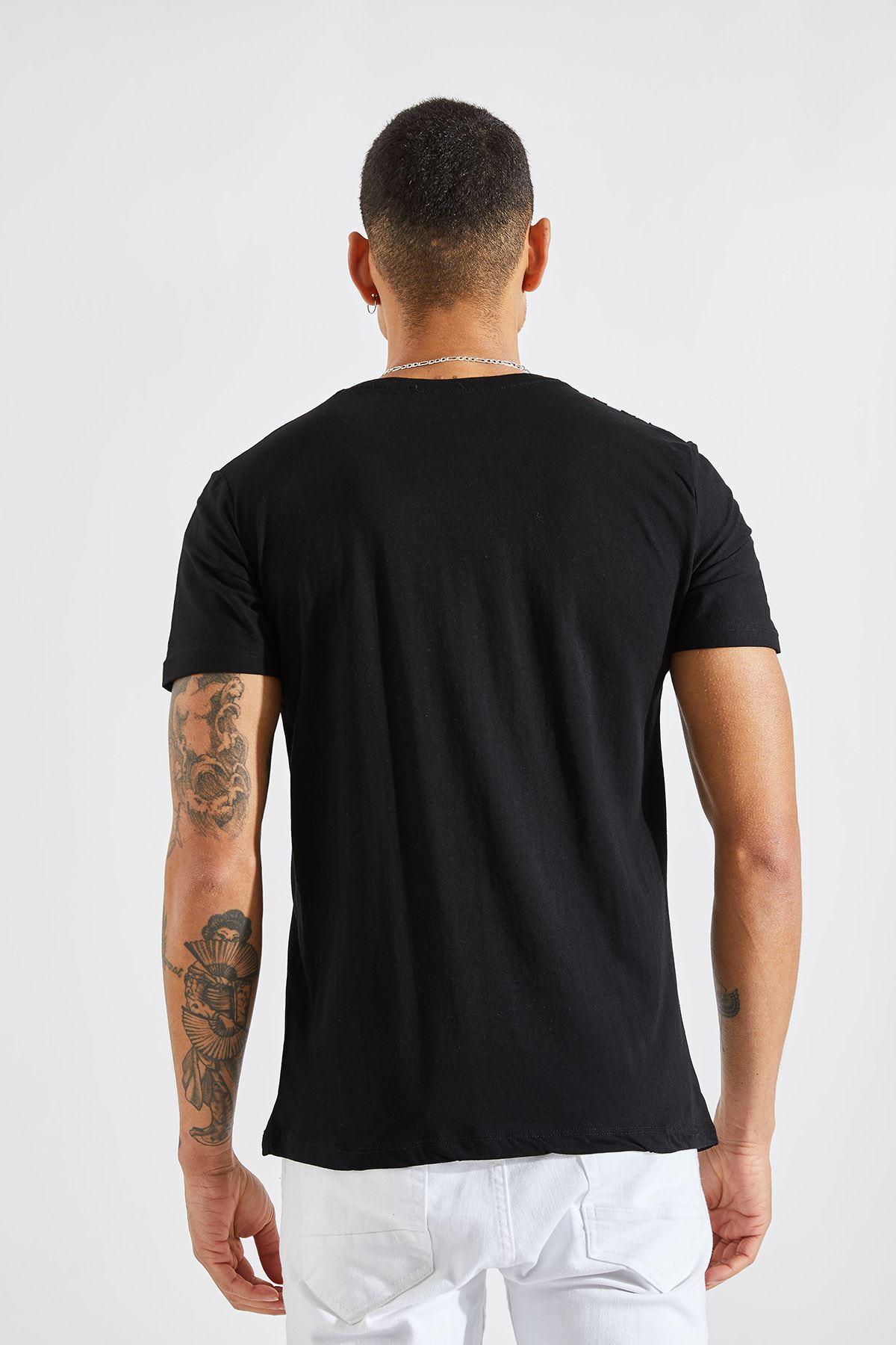 Erkek Üç Çizgi Baskılı Siyah Tişört