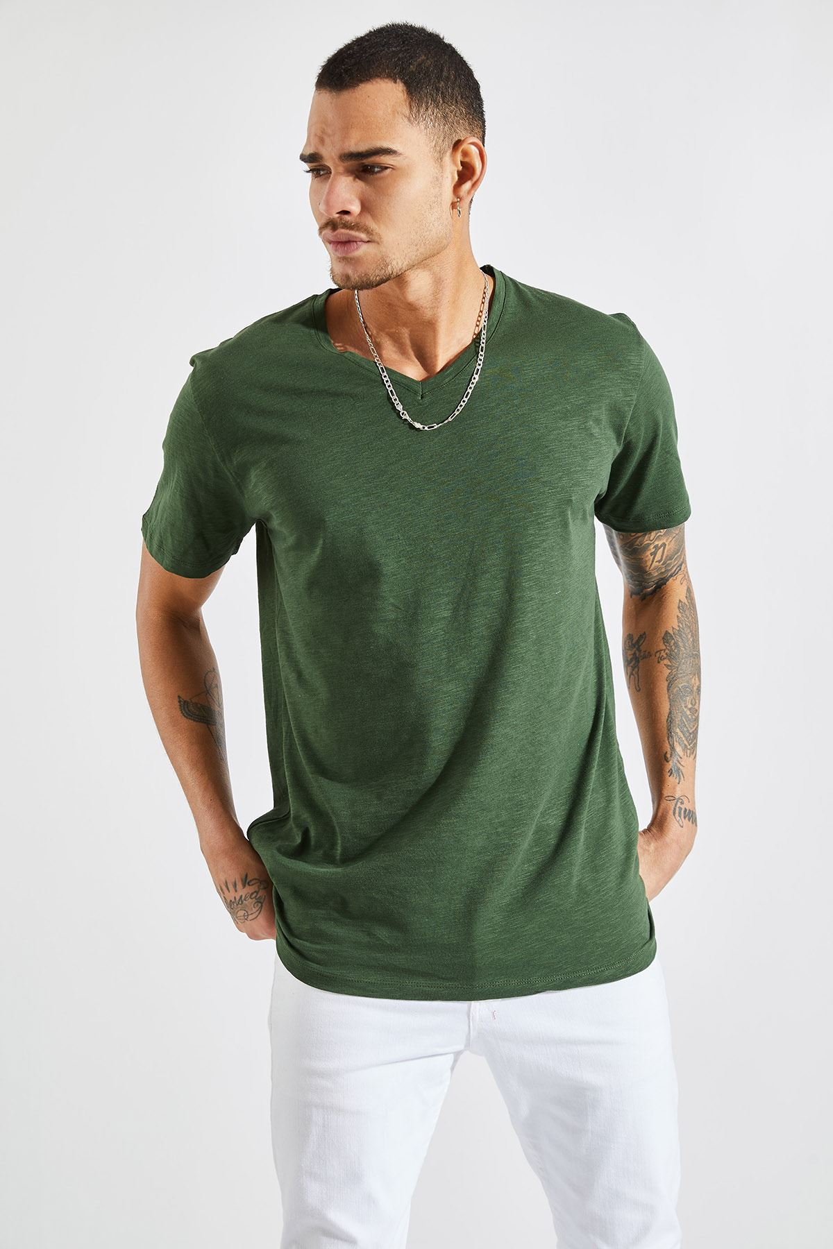 Erkek V Yaka Flamlı Haki Tişört