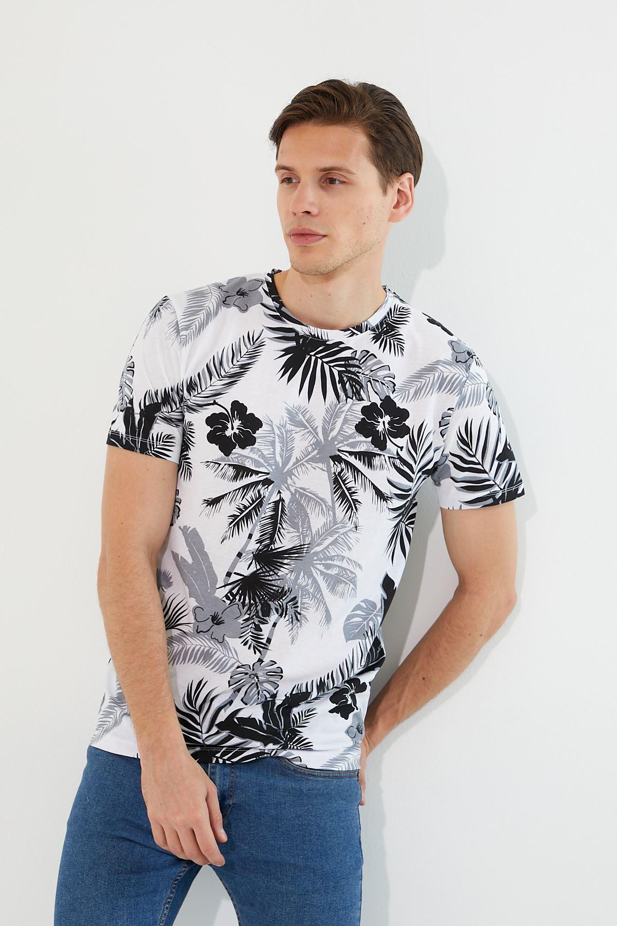 Erkek Çiçek Baskı Beyaz Tişört